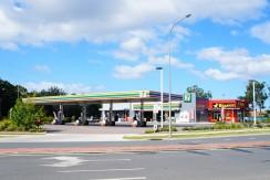 Service station + Five retail shops
