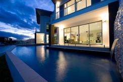 Mansion in Sovereign Islands