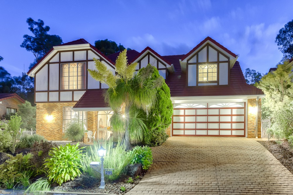 Charming Tudor Residence on 1,034 M2 Land