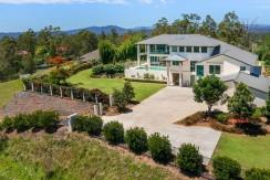 Hilltop residence on 5,545m2 land