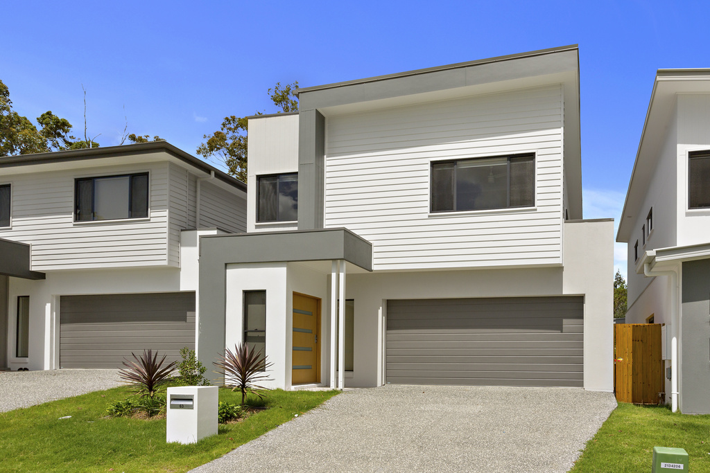 "Brand New "" Arrosa Estate ""          Calamvale"