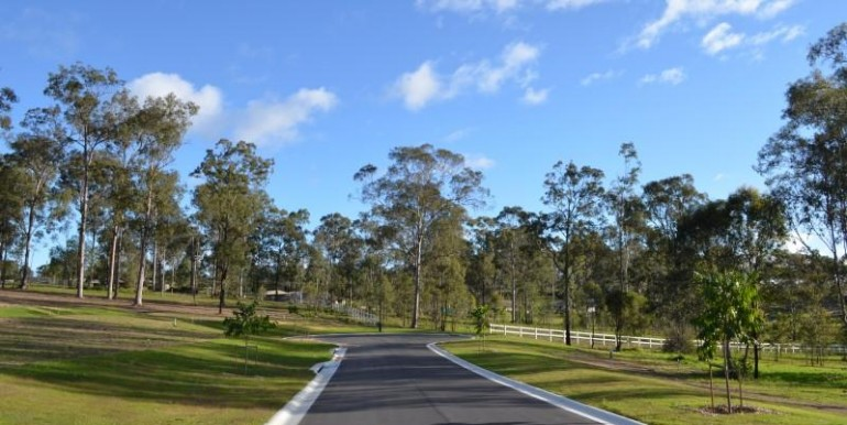 2-8-colt-court-south-maclean-qld-4280-real-estate-photo-6-large-11154203