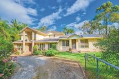 Modern Home + 2.02 Ha  –  Park Ridge